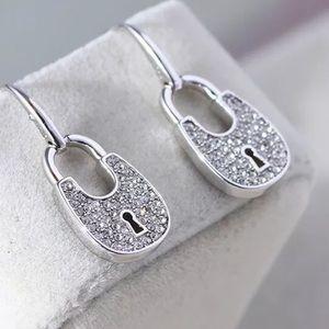 💝 Michael Kors Padlock Dangle Drop Earrings